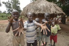 Giro a Web: Duas em cada cinco crianças viverão na África em 2050, mostra Unicef