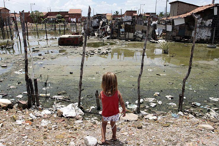 Crianca na Vila Velha